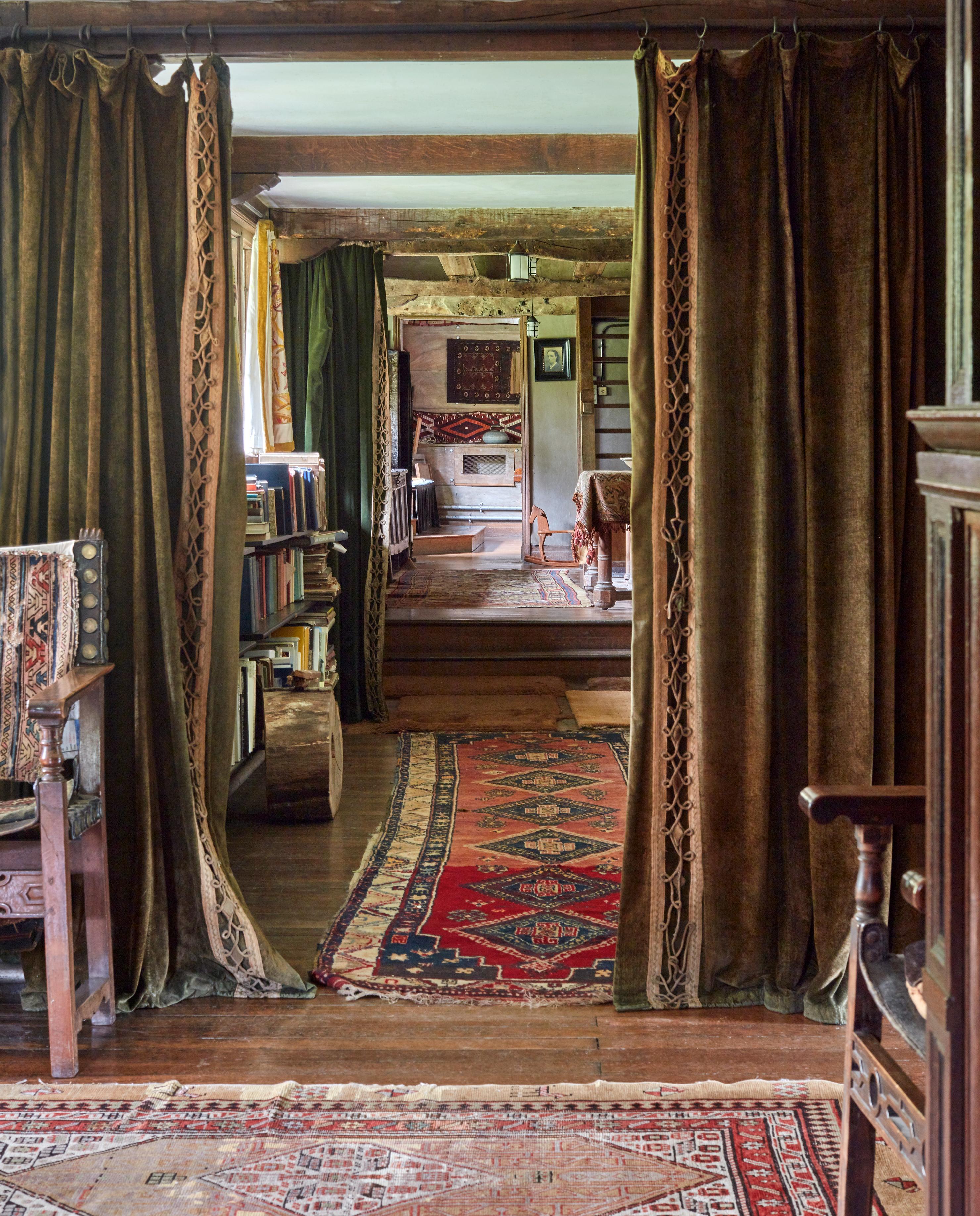 Gallery Romantics & Classics
